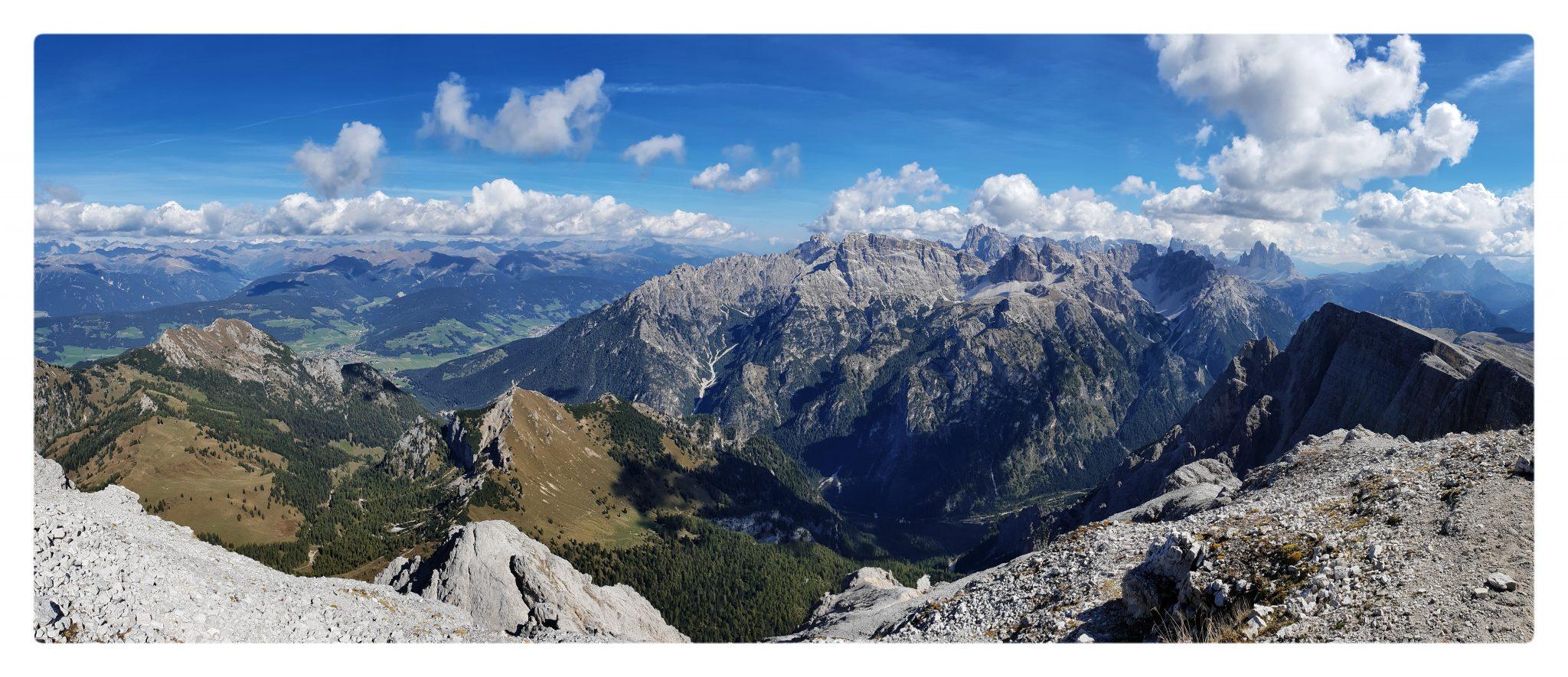 La vista dal Picco di Vallandro è assoluta e totale.