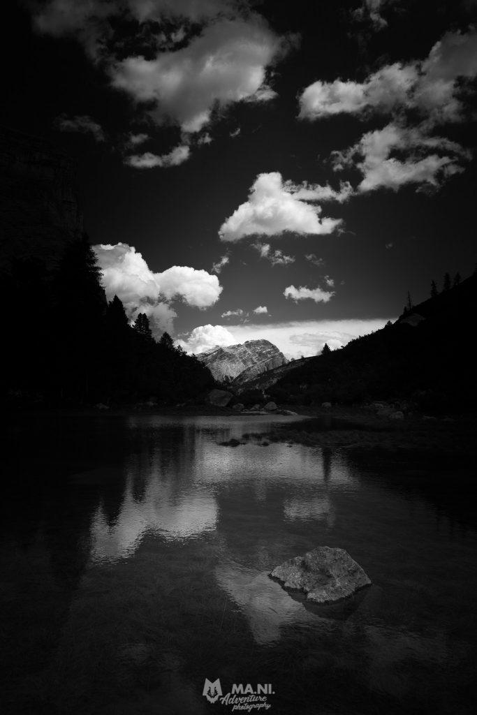 Il Lago di Fanes all'interno del Parco Naturale delle Dolomiti d'Ampezzo.