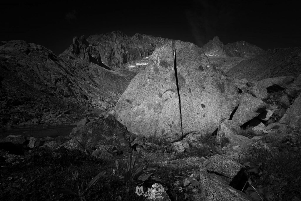 Il granito descrive un paesaggio lunare